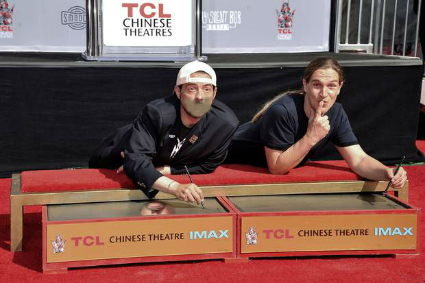 Director Kevin Smith's Mouth Enshrined in Cement at Chinese Theatre